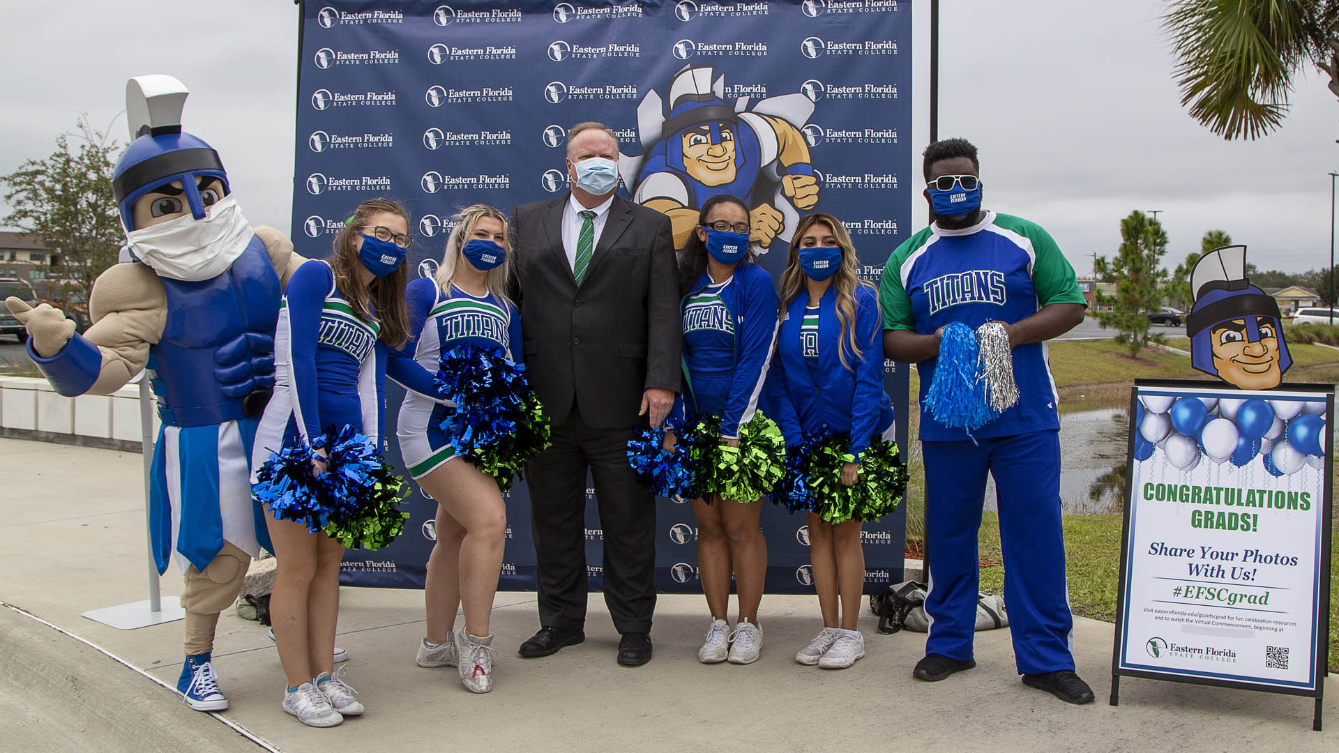EFSC President Dr. Jim Richey and cheerleaders at Fall Commencement 2020 drive-through event