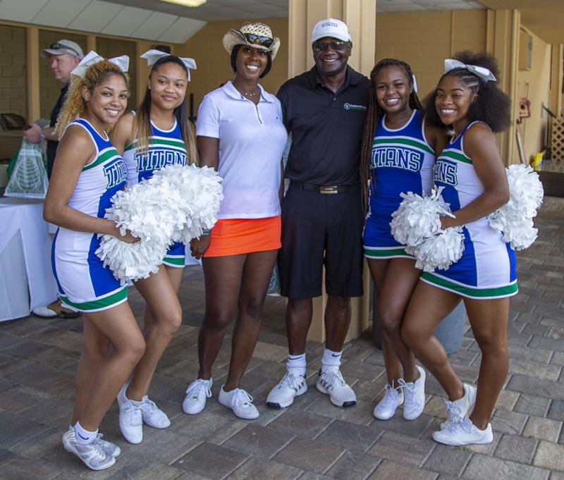 golfers with EFSC cheerleaders