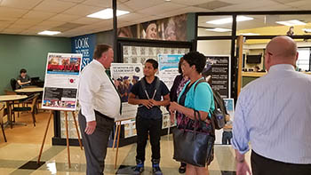 Dr. Richey Meets with Students