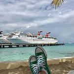 Dr. Laura Sidoran Takes Green Dot on Vacation!